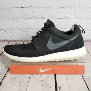Nike Roshe Run One Sneakers Mens 10.5 Shoes